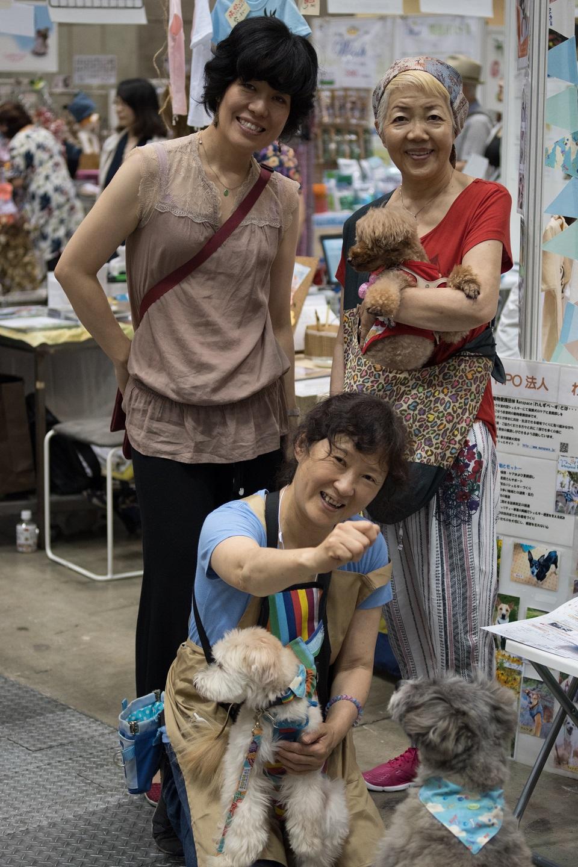 保護犬と鳥居さんとマダム二人★960